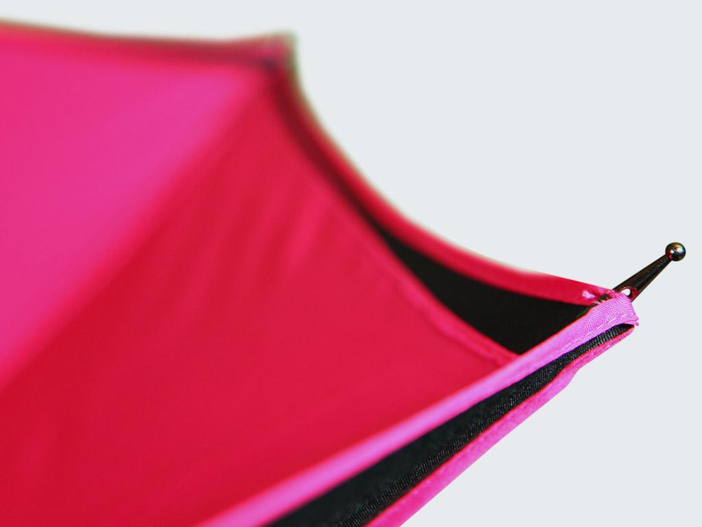 Pantone-matched perimeter tape on umbrella